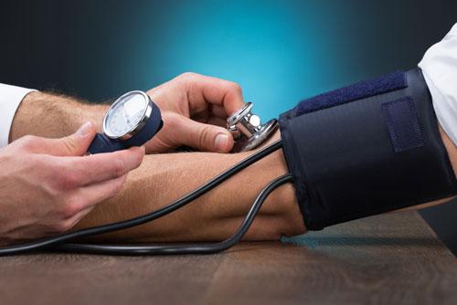 高血圧が怖いのは症状に気づきにくい